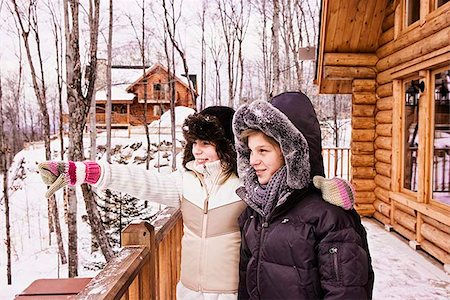 Siblings outdoors during winter Stock Photo - Premium Royalty-Free, Code: 621-02663347