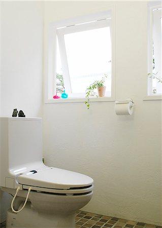 Interior Of Toilet, Toilet Seat Stock Photo - Premium Royalty-Free, Code: 622-06009511