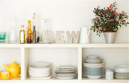 decorations - Collection Of Crockery In Shelves Stock Photo - Premium Royalty-Free, Code: 622-06009521