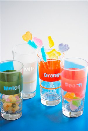 Drinking Glasses With Lollipops and Candies Stock Photo - Premium Royalty-Free, Code: 622-06009865