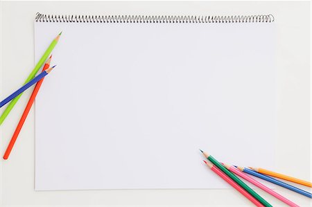 drawing - Different Color Pencil On Notepad Stock Photo - Premium Royalty-Free, Code: 622-06163998