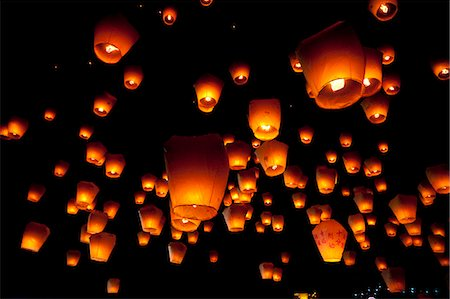Hanging Lanterns At Night Stock Photo - Premium Royalty-Free, Code: 622-06191352