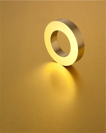 solid - Gold ring Stock Photo - Premium Royalty-Free, Code: 622-06370030