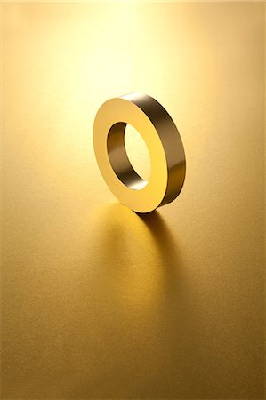 solid - Gold ring Stock Photo - Premium Royalty-Free, Code: 622-06370031