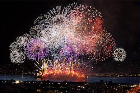 fireworks colored picture - Fireworks at Yodogawa, Osaka Stock Photo - Premium Royalty-Free, Code: 622-06370041