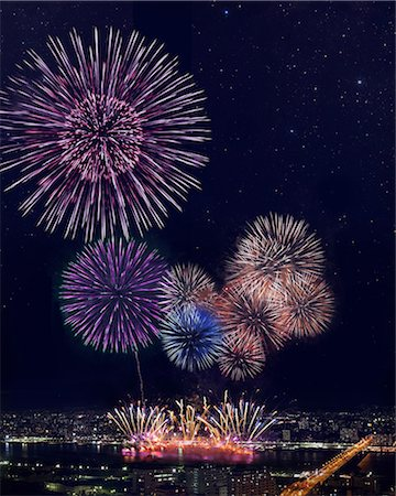 fireworks colored picture - Fireworks at Yodogawa, Osaka Stock Photo - Premium Royalty-Free, Code: 622-06370042
