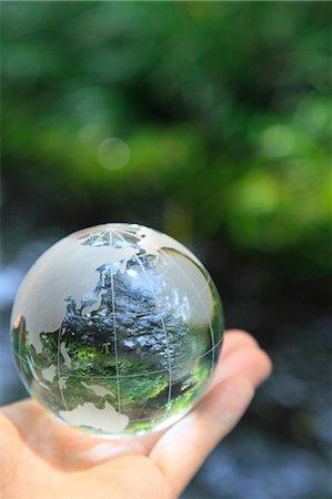 Glass globe Stock Photo - Premium Royalty-Free, Code: 622-06549385