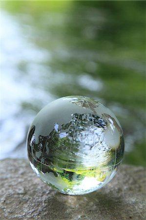 Glass globe Stock Photo - Premium Royalty-Free, Code: 622-06549387