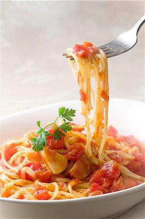 Spaghetti with tomato sauce Stock Photo - Premium Royalty-Free, Code: 622-06809288