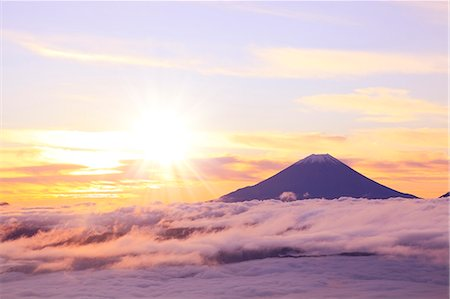 fantastically - Mount Fuji and sea of clouds Stock Photo - Premium Royalty-Free, Code: 622-06809768