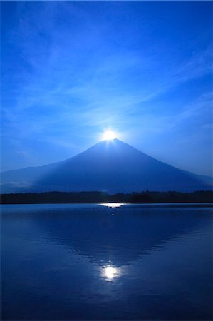 diamond - Mount Fuji and Lake Tanuki, Shizuoka Prefecture Stock Photo - Premium Royalty-Free, Code: 622-06809776