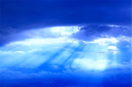 fantastically - Glow through clouds Stock Photo - Premium Royalty-Free, Code: 622-07108842