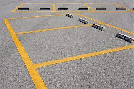 Parking lot Stock Photo - Premium Royalty-Free, Code: 622-07117594
