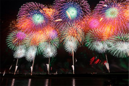 fireworks colored picture - Nagaoka Fireworks Festival Stock Photo - Premium Royalty-Free, Code: 622-07118054