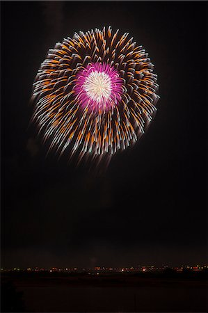 fireworks colored picture - Nagaoka Fireworks Festival Stock Photo - Premium Royalty-Free, Code: 622-07118055