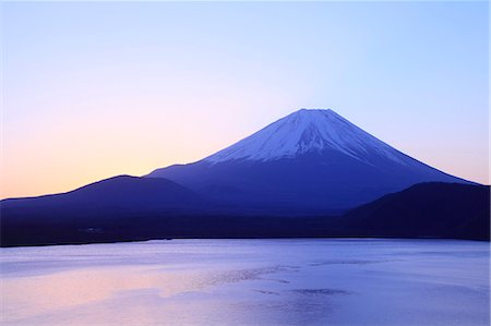 snow capped - Mount Fuji Stock Photo - Premium Royalty-Free, Code: 622-07519846