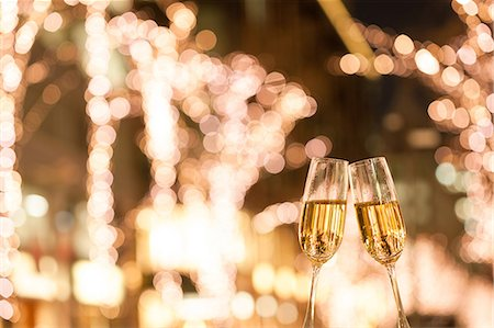 Toasting with champagne Stock Photo - Premium Royalty-Free, Code: 622-08065192