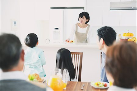 Three-generation Japanese family together in the kitchen Stock Photo - Premium Royalty-Free, Code: 622-08123241