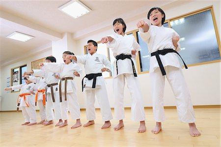 preteen models asian - Japanese kids karate class Stock Photo - Premium Royalty-Free, Code: 622-08657806