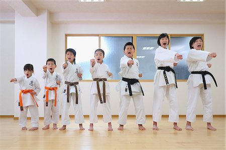 preteen models asian - Japanese kids karate class Stock Photo - Premium Royalty-Free, Code: 622-08657807