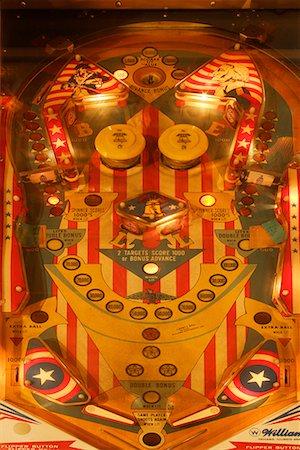 pinball - Pinball Machine Stock Photo - Premium Royalty-Free, Code: 622-02355459