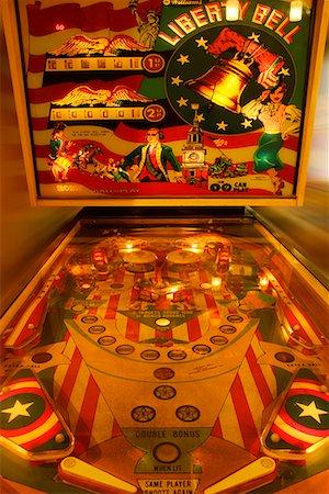 pinball - Pinball Machine Stock Photo - Premium Royalty-Free, Code: 622-02355460