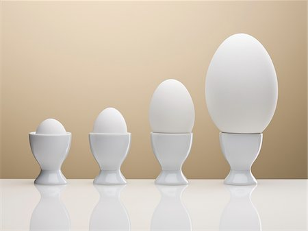 different - Various eggs in egg cups Stock Photo - Premium Royalty-Free, Code: 635-05550662