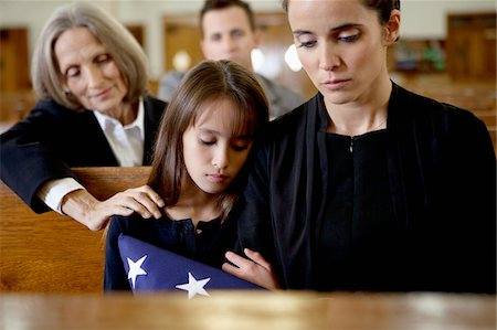 dead woman - Mother and daughter at military funeral Stock Photo - Premium Royalty-Free, Code: 635-05972502