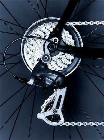 Close up of bicycle gears and chain Stock Photo - Premium Royalty-Free, Code: 635-05972684