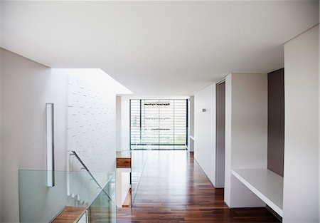Corridor in modern house Stock Photo - Premium Royalty-Free, Code: 635-06045422