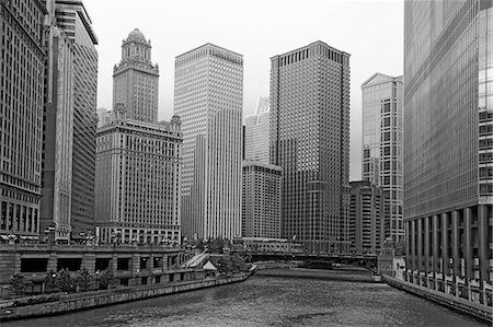 Chicago river and highrise buildings Stock Photo - Premium Royalty-Free, Code: 635-06192285