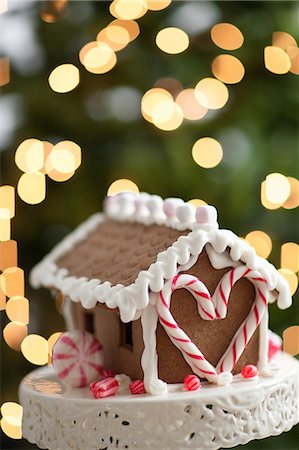 Close up of gingerbread house Stock Photo - Premium Royalty-Free, Code: 635-07364868