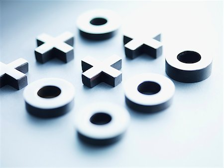 results - Metal tic-tac-toe game pieces Stock Photo - Premium Royalty-Free, Code: 635-03372841