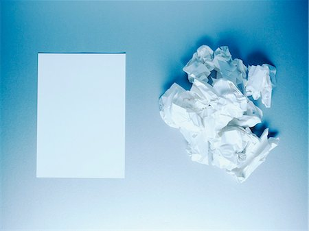 Crumpled paper balls and notepad Stock Photo - Premium Royalty-Free, Code: 635-03372918