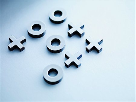 results - Metal tic-tac-toe game pieces Stock Photo - Premium Royalty-Free, Code: 635-03372921