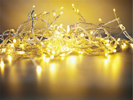 sparkling - Pile of illuminated string lights Stock Photo - Premium Royalty-Free, Code: 635-03372949