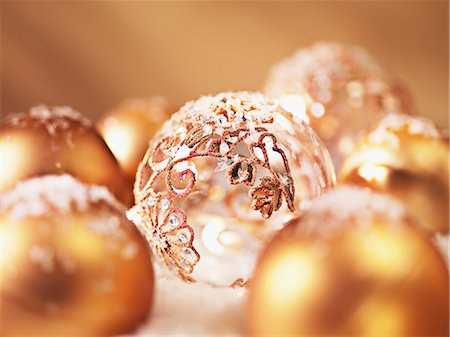 sparkling - Close up of Christmas ornaments Stock Photo - Premium Royalty-Free, Code: 635-03372992