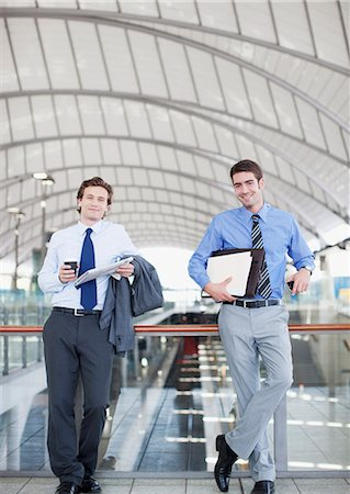 platform - Businessmen waiting in train station Stock Photo - Premium Royalty-Free, Code: 635-03515574