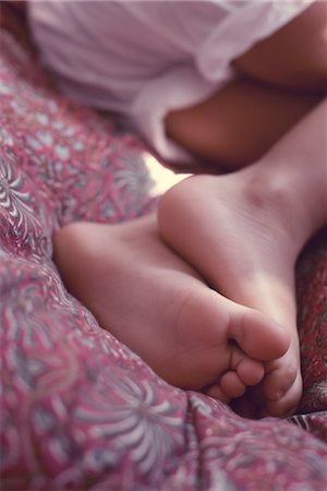 Little girl's feet Stock Photo - Premium Royalty-Free, Code: 632-05400951