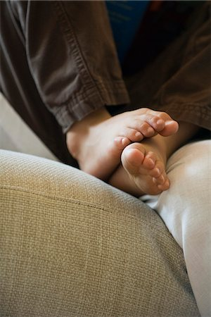 Child's bare feet Stock Photo - Premium Royalty-Free, Code: 632-05604410