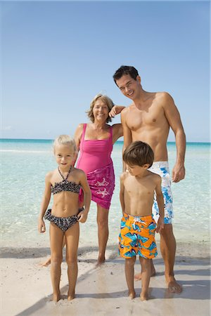 Multi-generation family at the beach Stock Photo - Premium Royalty-Free, Code: 632-05759744