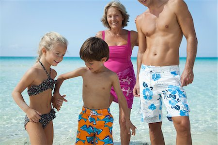 Children holding hands at the beach Stock Photo - Premium Royalty-Free, Code: 632-05759952