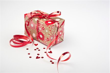 Festively wrapped gift Stock Photo - Premium Royalty-Free, Code: 632-05991160