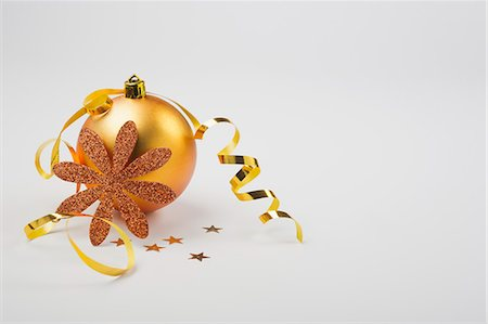 Christmas ornaments Stock Photo - Premium Royalty-Free, Code: 632-06354012