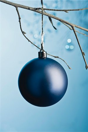 Christmas bauble Stock Photo - Premium Royalty-Free, Code: 632-06354138