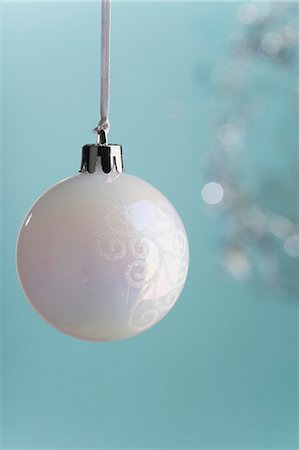 Christmas bauble Stock Photo - Premium Royalty-Free, Code: 632-06354237