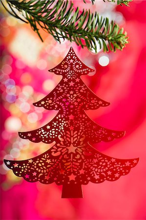 Christmas tree ornament hanging on branch Stock Photo - Premium Royalty-Free, Code: 632-06353956