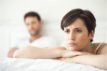 domestic - Couple not speaking after disagreement in bed Stock Photo - Premium Royalty-Free, Code: 632-07809524