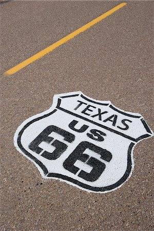 stencil - Road marking for the historic Route 66 in Texas, USA Stock Photo - Premium Royalty-Free, Code: 632-08545965