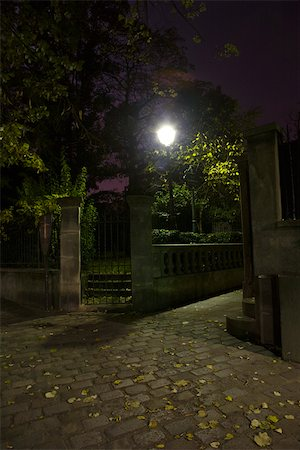 France, Paris, Montmartre at night Stock Photo - Premium Royalty-Free, Code: 632-03500701